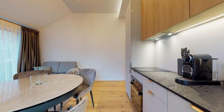 Dviejų miegamųjų apartamentai su balkonu